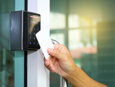 Giải pháp an ninh kiểm soát ra vào Access control